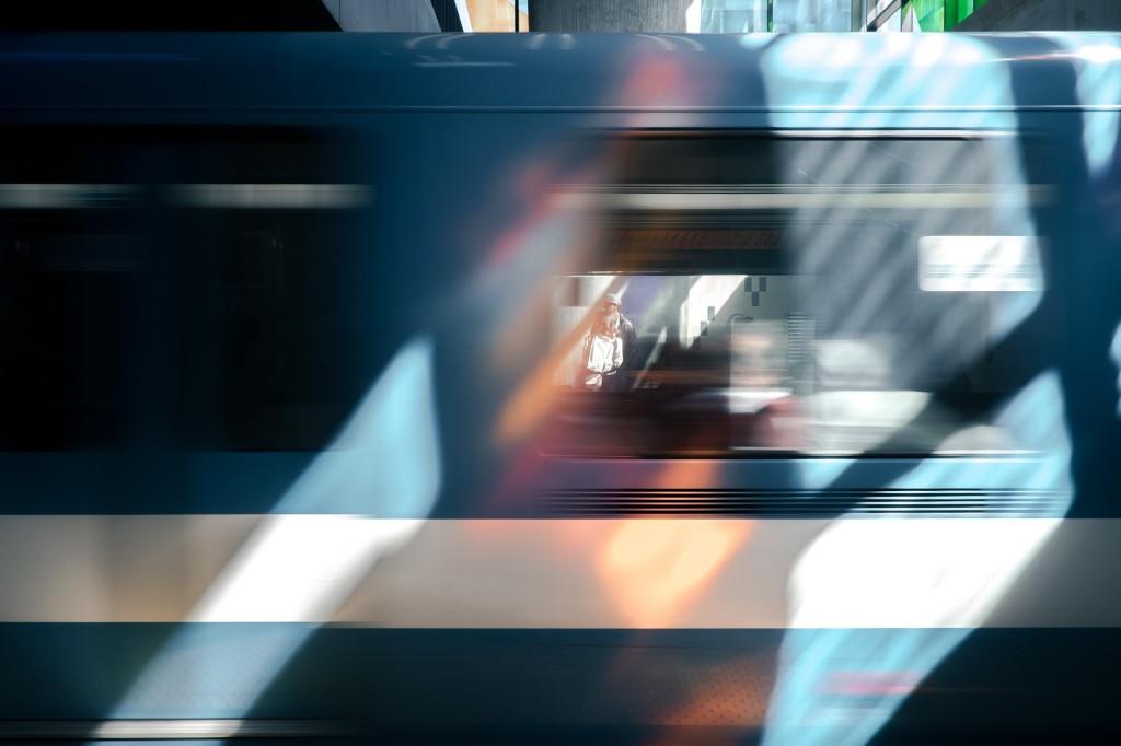 train-828597_1920