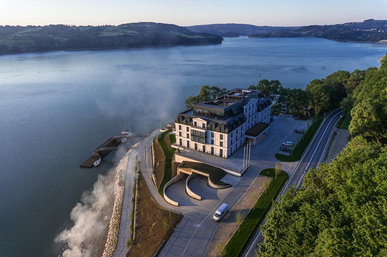 roznowskie-lake-1273943_1280