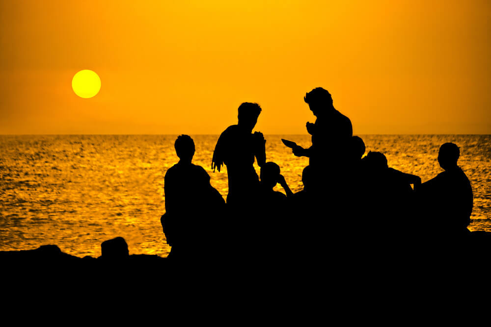 Dramatic Effects: A Complete Guide to Silhouette Photography