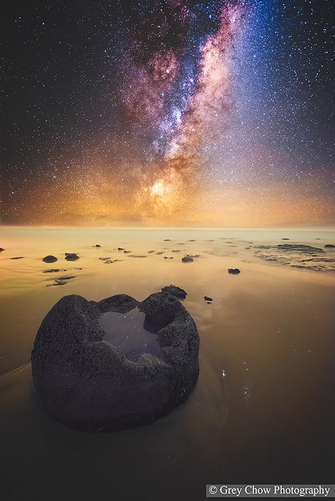 Moeraki Boulders Milky Way