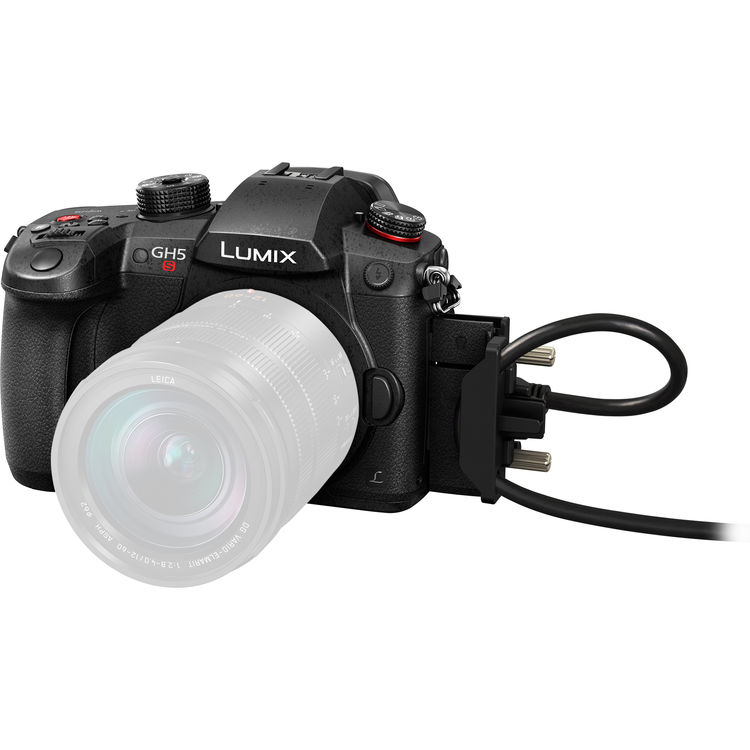 panasonic lumix gh5s frontal view