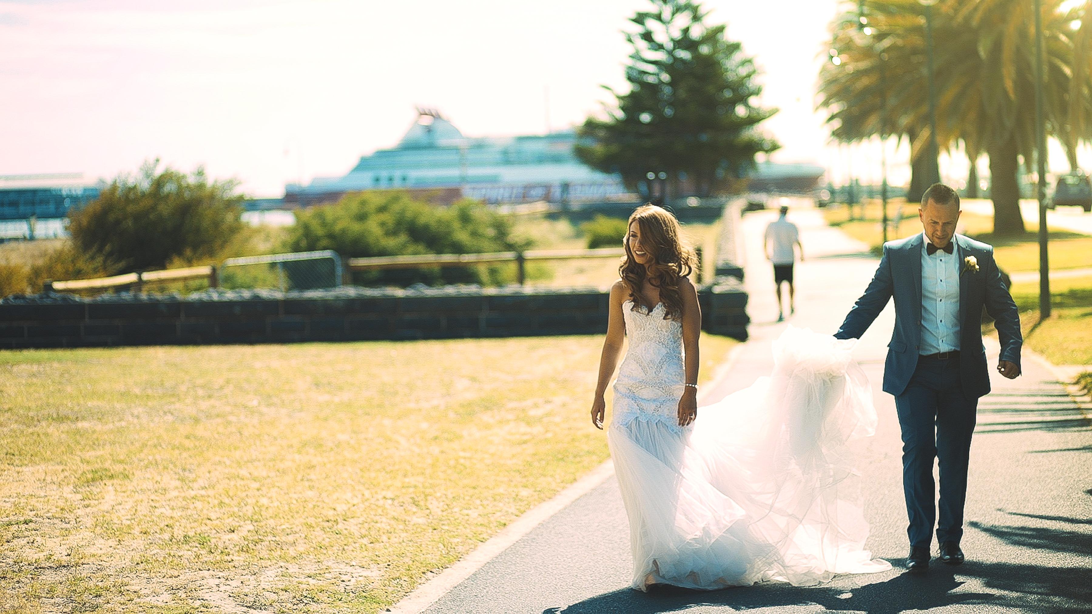https://sleeklens.com/wp-content/uploads/2018/09/wedding-lightroom-presets-signature-bride-groom-after-11.jpg