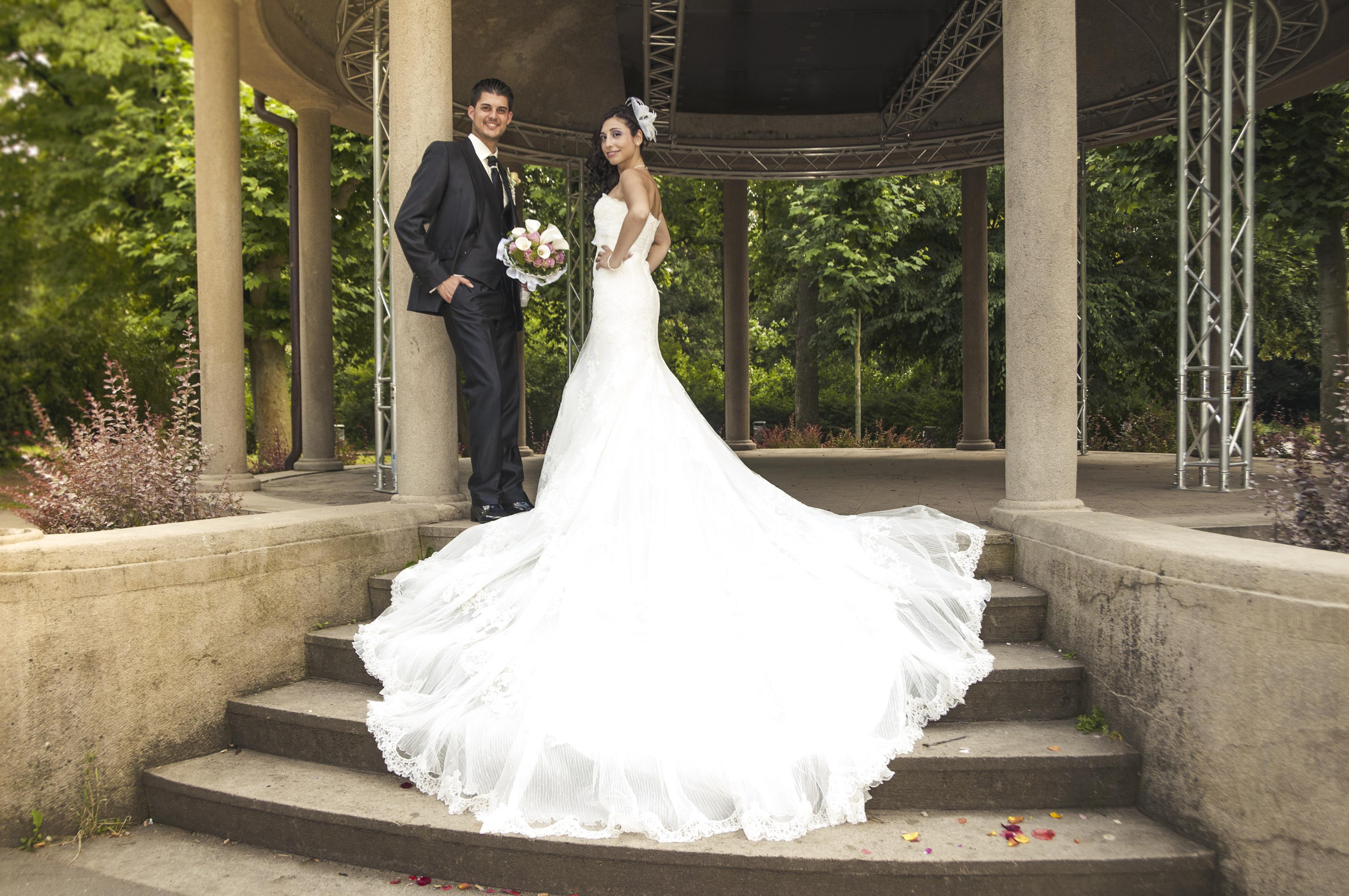 https://sleeklens.com/wp-content/uploads/2018/09/wedding-lightroom-presets-signature-bride-groom-after-4.jpg