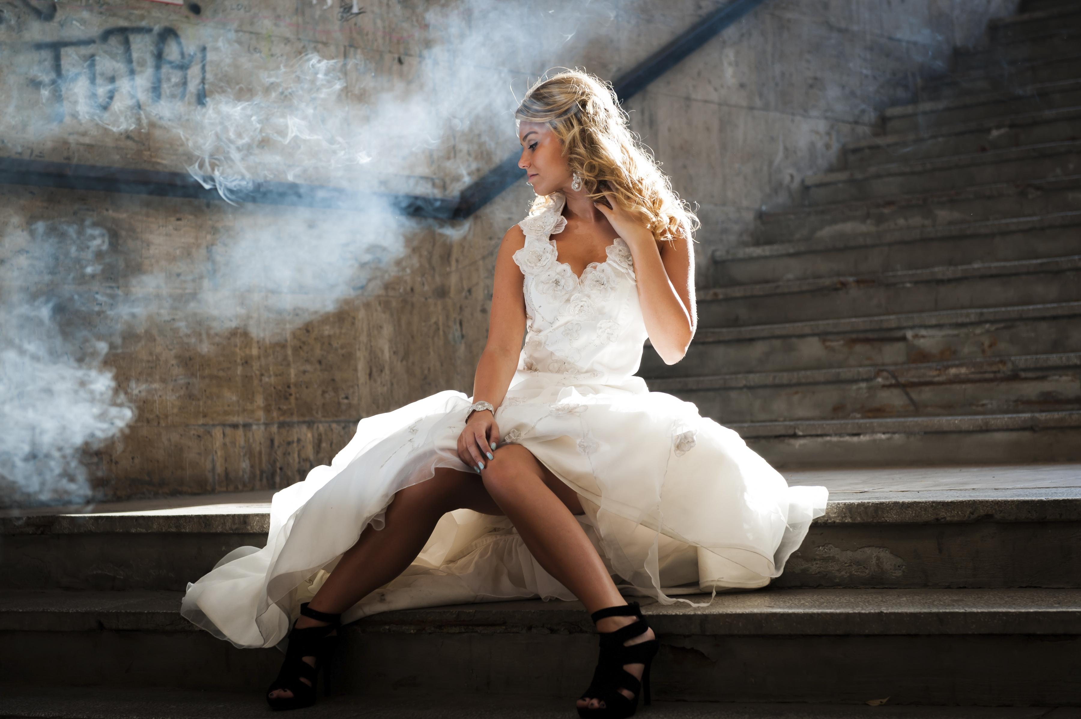 https://sleeklens.com/wp-content/uploads/2018/09/wedding-lightroom-presets-signature-bride-groom-before-10.jpg