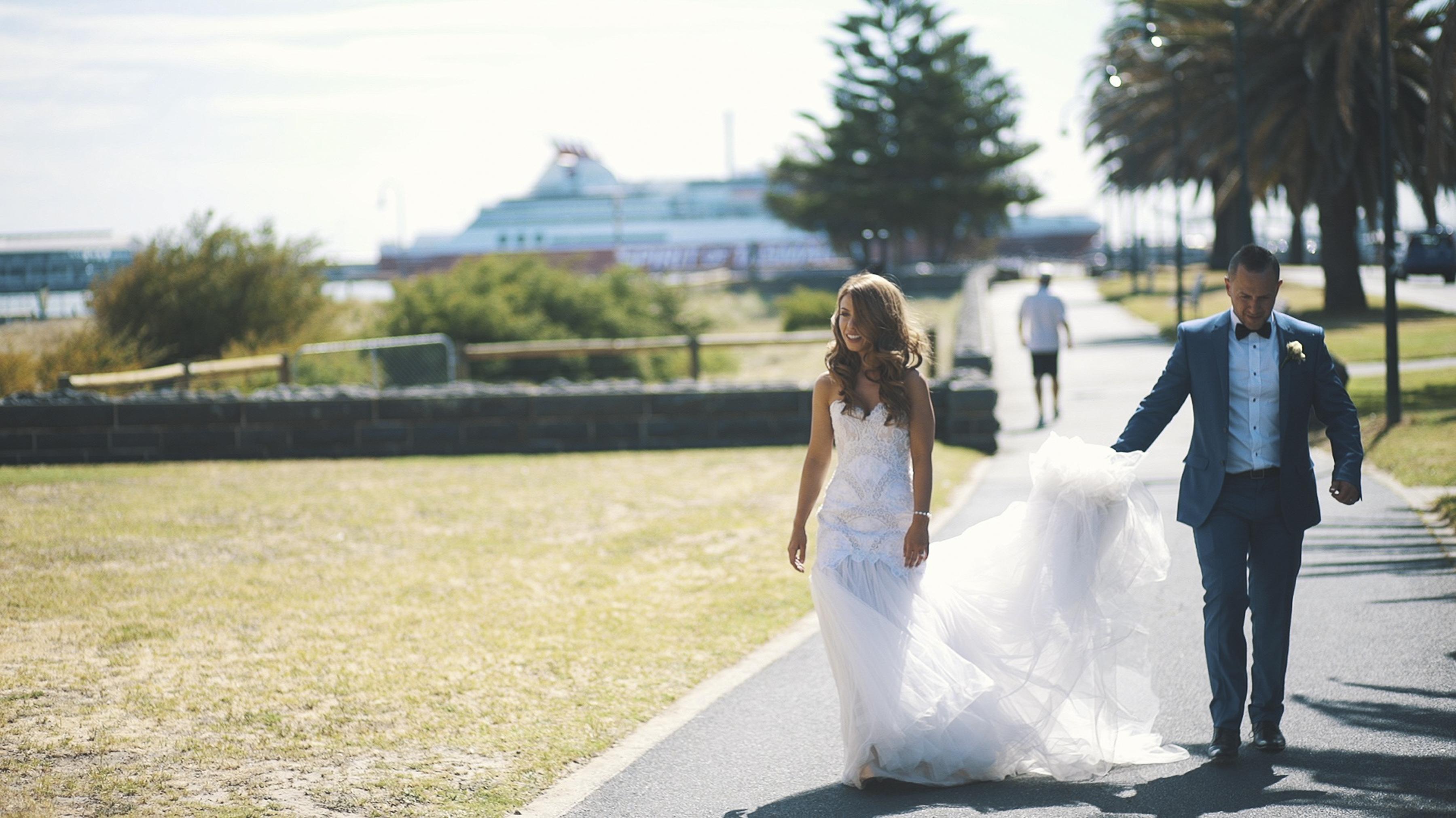 https://sleeklens.com/wp-content/uploads/2018/09/wedding-lightroom-presets-signature-bride-groom-before-11.jpg