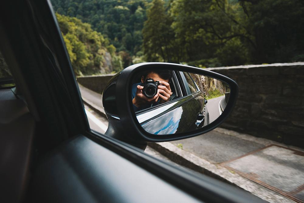 wing mirror selfie