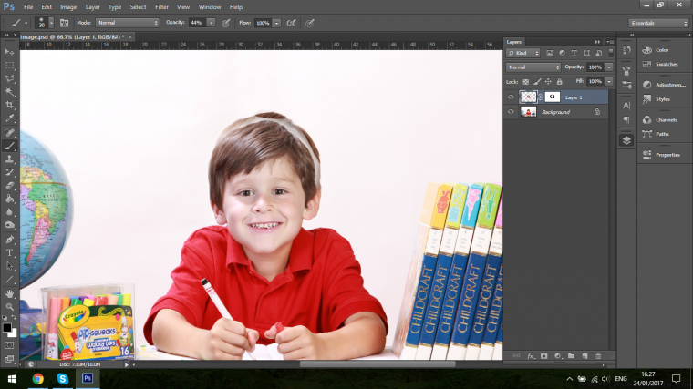 How to Successfully Perform a Face Swap using Adobe Photoshop