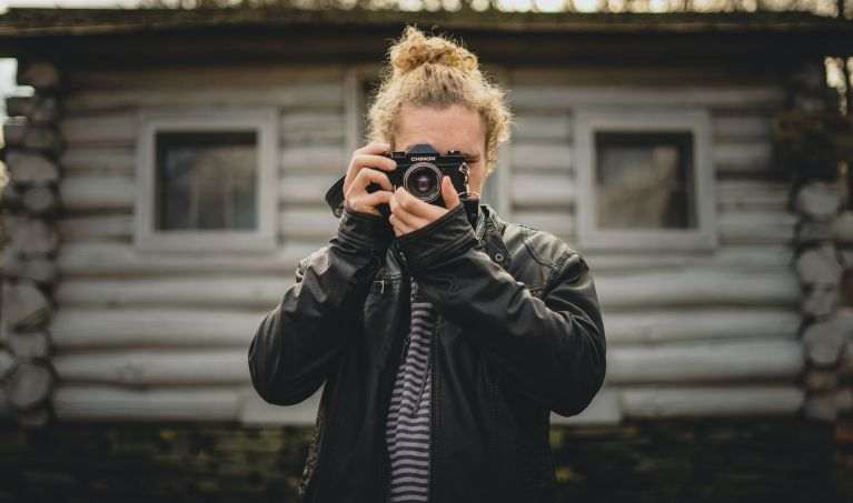 Pros And Cons Of Volunteering Your Photography Services For Free
