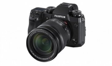 Fuji X-H1 Review:  Was it a Photographer's Mirrorless Camera Must Have?