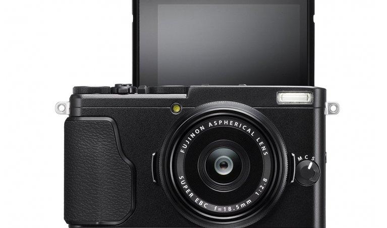 Fujifilm X70 Review: Exploring the Fuji's World