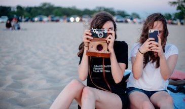 Why You Should Take Your Friends on More Photoshoots