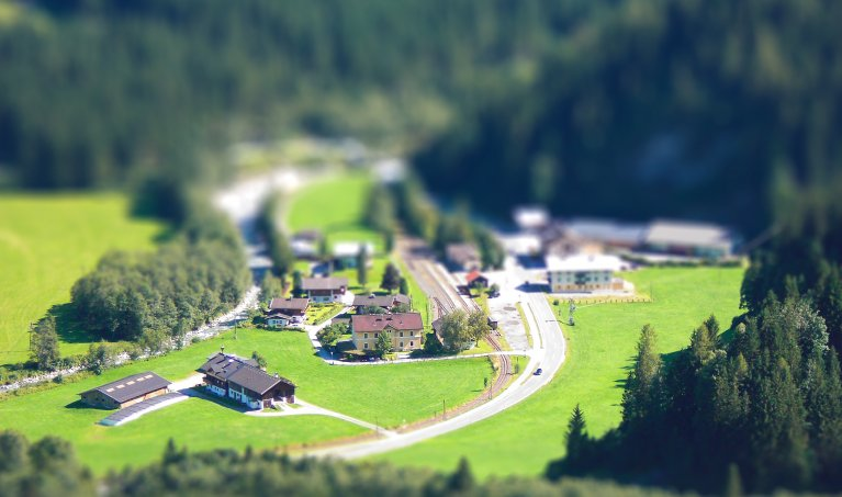 How to Create the Tilt-Shift Effect in Adobe Photoshop