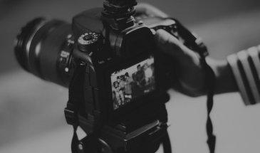 Top 4 Vlogging Cameras: Meet Your Video Blogging Essentials